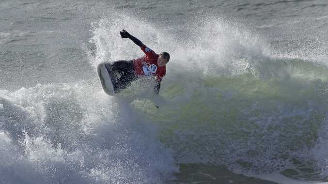Wollongong visitor Wayne Jennings shows the style making him an Australian Kneeboard titles finalist.